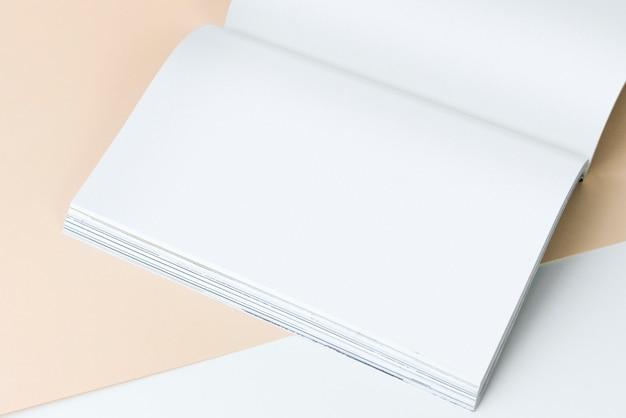 Maquete de livro