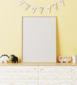 Maquete de moldura de pôster de madeira em branco no interior do quarto das crianças com parede amarela e bebê de bandeiras guirlandas, cômoda com impressão de carro, brinquedos, interior de sala de jogos, renderização em 3d