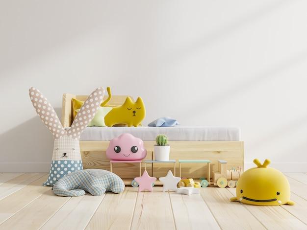 Maquete de parede no quarto das crianças com sofá e boneca em um fundo de cor branco claro, renderização em 3d