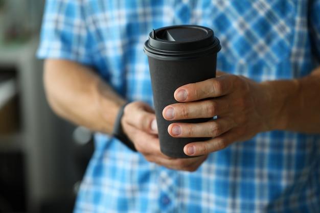 Maquete de preto. café expresso. conceito de comida de estilo de vida