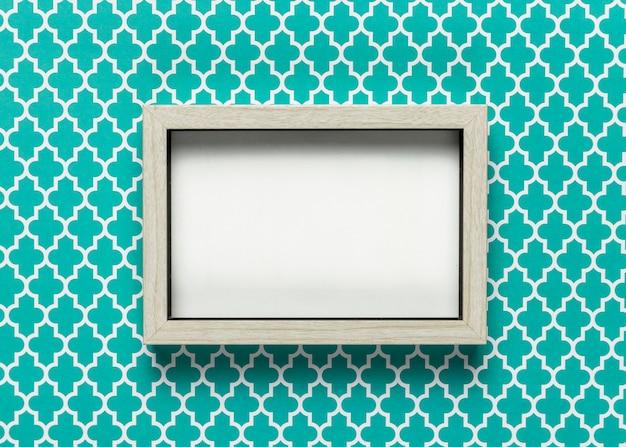 Maquete de quadro com fundo colorido