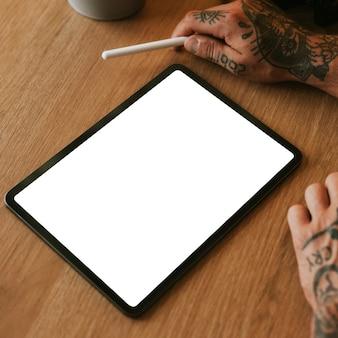 Maquete de tela de tablet digital em branco