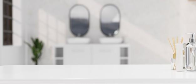 Maquete de uma mesa de banheiro branca moderna com um produto de banho estiloso sobre um banheiro desfocado