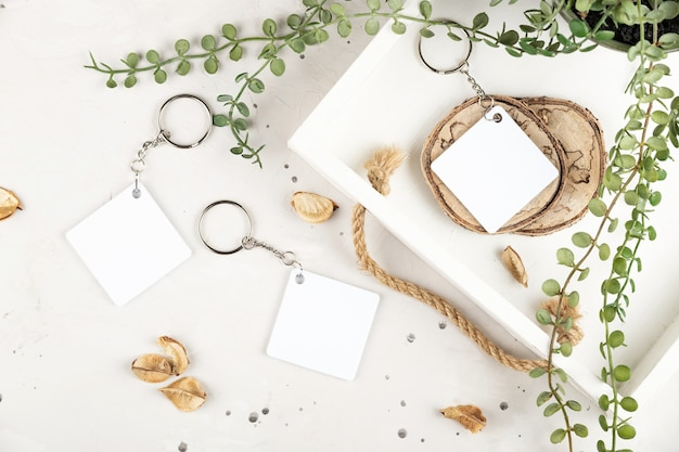Maquete do chaveiro para exibir o modelo do chaveiro em uma aconchegante casa com losango branco sublima ...