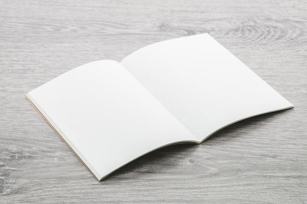 Maquete do livro de nota em branco