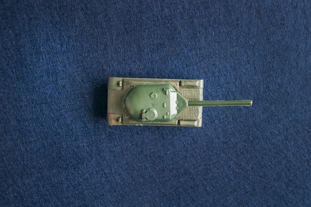 Maquete do tanque de brinquedo militar