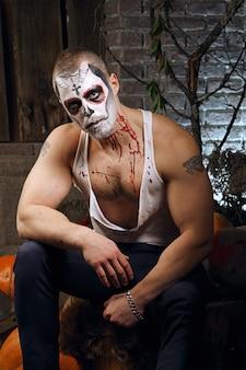 Maquiagem de caveira de açúcar masculino. arte de pintura de rosto.