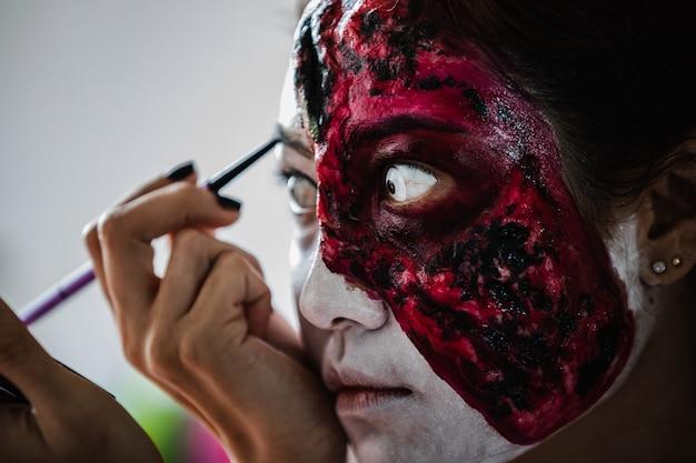 Maquiagem de garota fantasma de halloween
