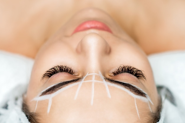Maquiagem definitiva para sobrancelhas