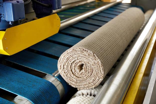Máquina automática e equipamento para lavagem e limpeza a seco de carpetes