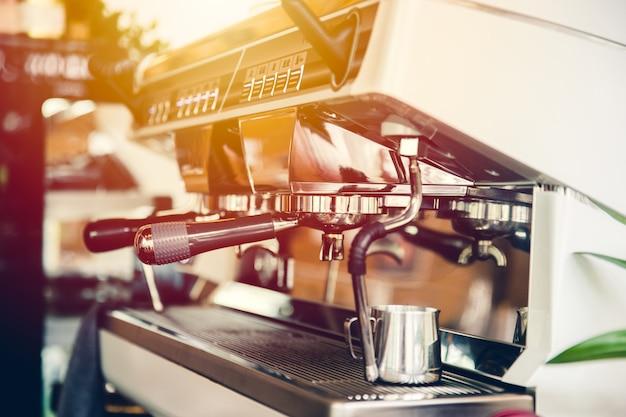 Máquina de café, máquina de café expresso para o estilo de vida moderno barista no café