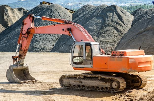 Máquina de construção escavadeira