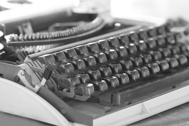 Máquina de escrever clássica do close up