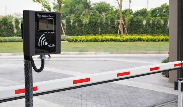 Máquina de sistema de gerenciamento de estacionamento sem fio e barreira automática