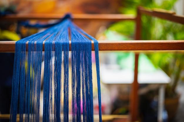 Máquina de tecelagem, tecelagem doméstica, uso para tecer seda tailandesa tradicional.
