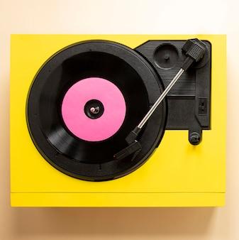 Máquina de vinil plana com disco