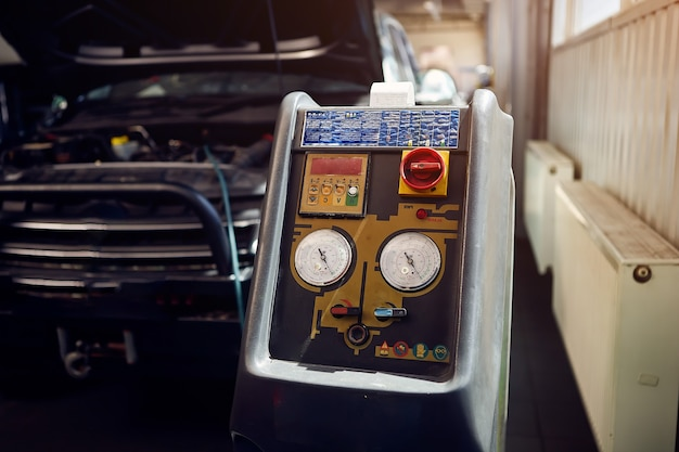 Máquina para carregar o ar condicionado do carro em serviço automático
