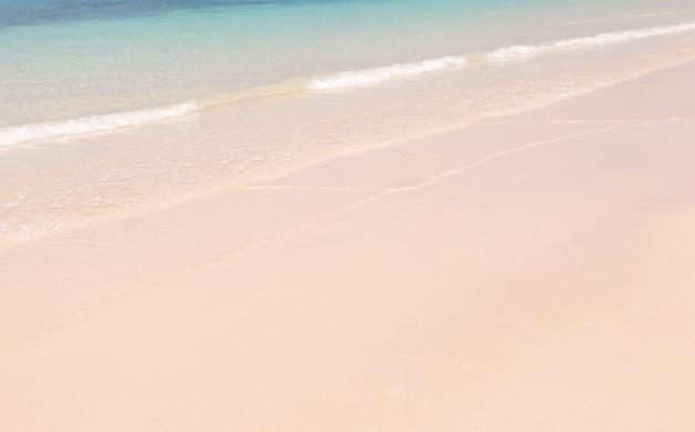 Mar azul ondas verão praia de areia