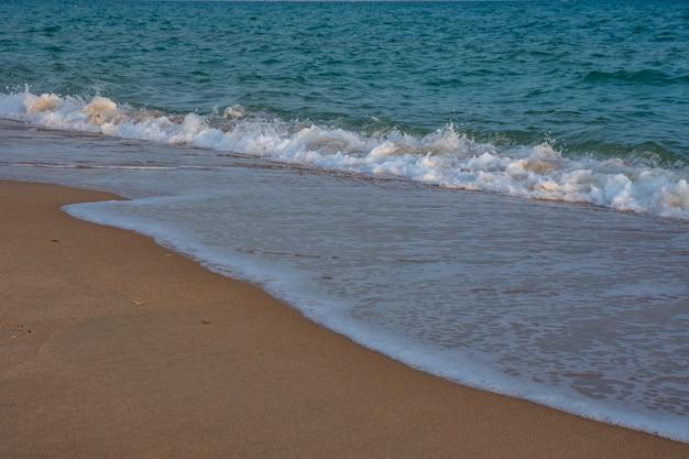 Mar báltico azul.