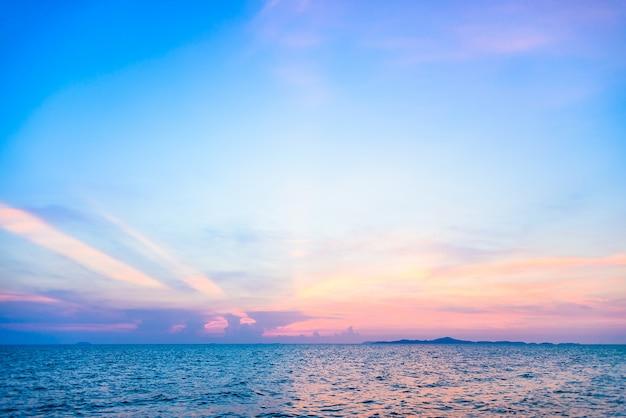 Mar com um belo horizonte