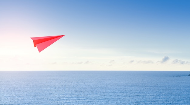 Mar e céu no conceito de negócios de turismo.