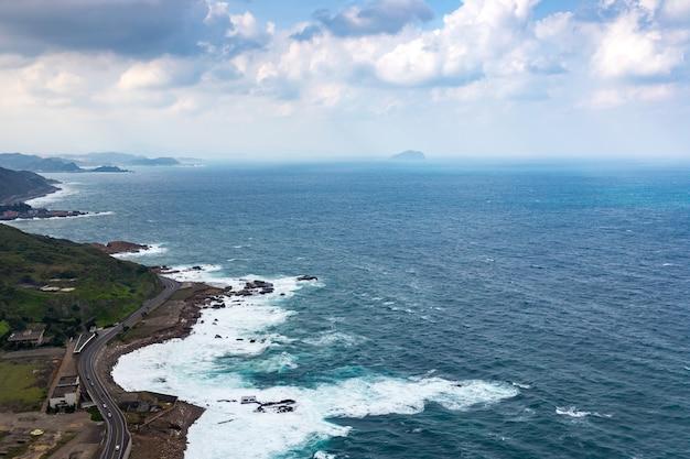 Mar e montanha em taiwan