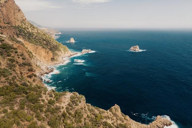 Mar e montanhas