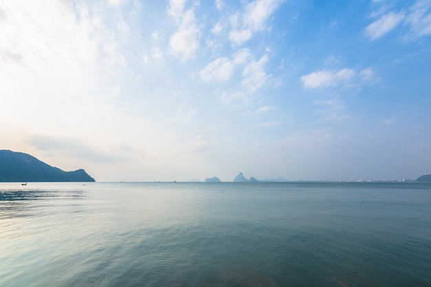 Mar e vistas da natureza