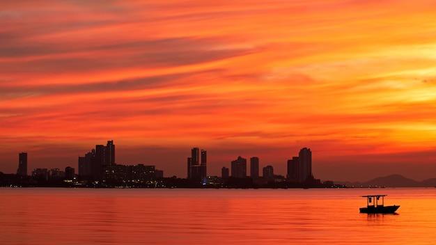 Mar laranja e azul, pattaya central, chonburi