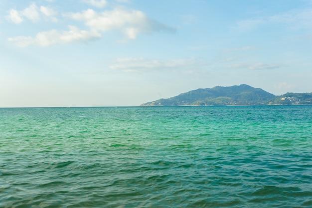 Mar. paraíso tropical.