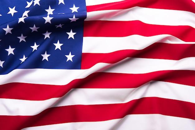 Maravilhosamente acenando estrela e bandeira americana listrada.