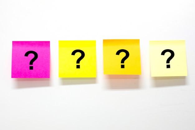 Marca de perguntas em papel de papernote