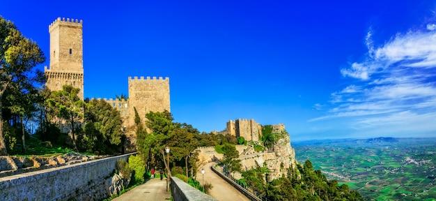 Marcos da itália - cidade medieval de erice na sicília