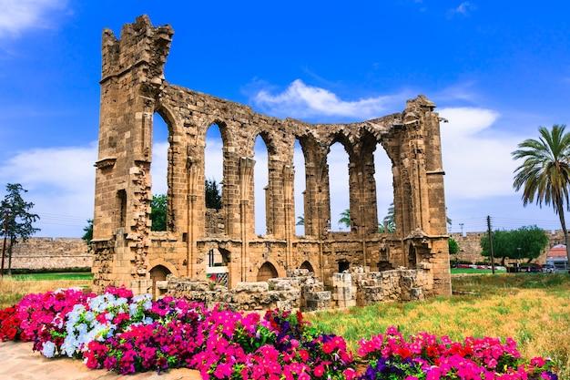 Marcos de chipre - ruínas da igreja de são joão em famagusta (gazimagusa)