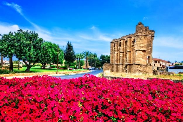 Marcos de chipre. ruínas da igreja de são joão em famagusta (gazimagusa)