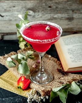 Margarita congelada com morango