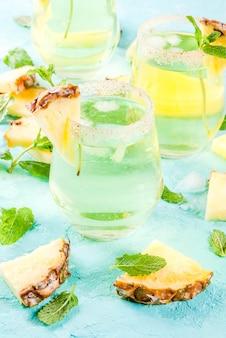 Margarita de suco de abacaxi