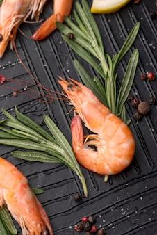 Marisco fresco com camarão e ervas