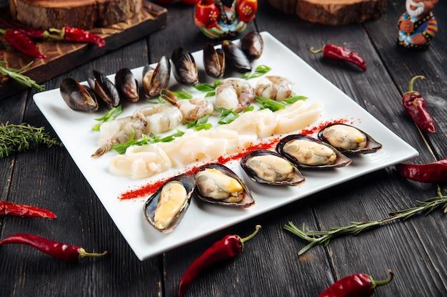 Mariscos conjunto mexilhões camarão lula anéis