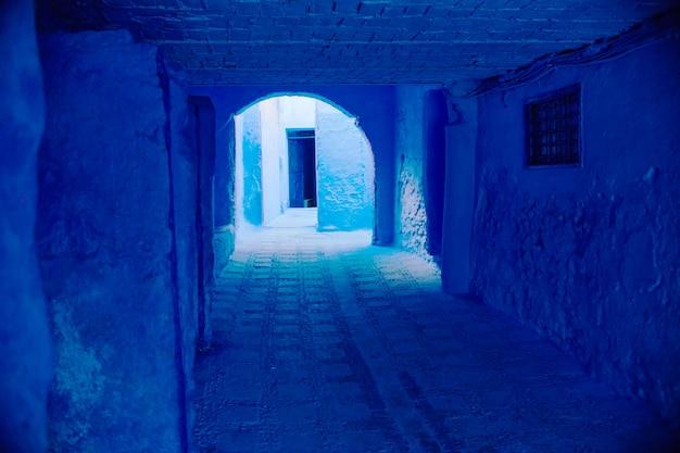 Marrocos é a cidade azul de chefchaouen, ruas sem fim pintadas de cor azul