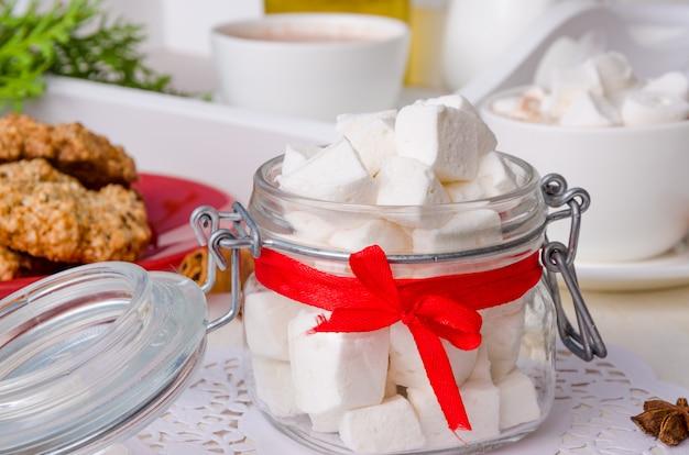 Marshmallow caseiro, suflê leve de calda de açúcar e gelatina