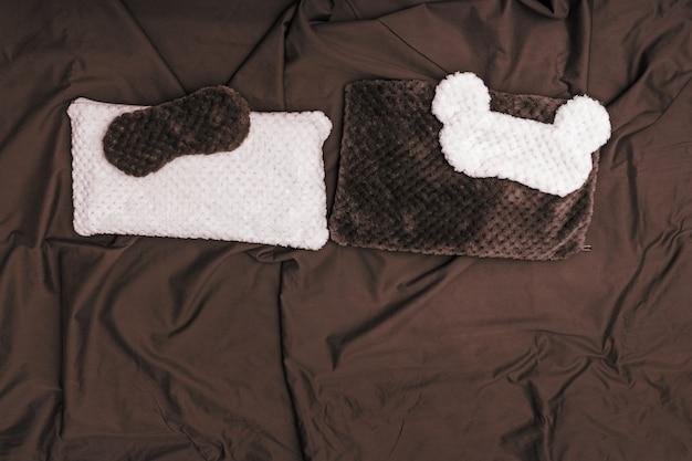 Máscara de dormir e almofada para descanso de conforto