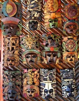 Máscara de madeira mexicana rostos de madeira artesanais