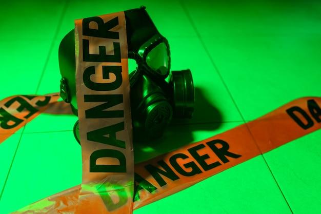 Máscara de proteção contra gás e burocracia
