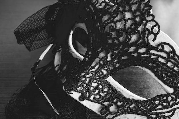 Máscara decorada