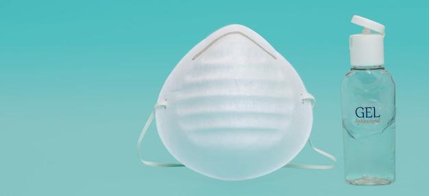 Máscara ou máscara facial para proteção contra infecções com fundo azul