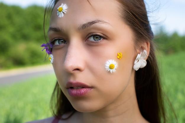 Máscaras cosméticas remendos de decorações à base de ervas para a saúde da pele