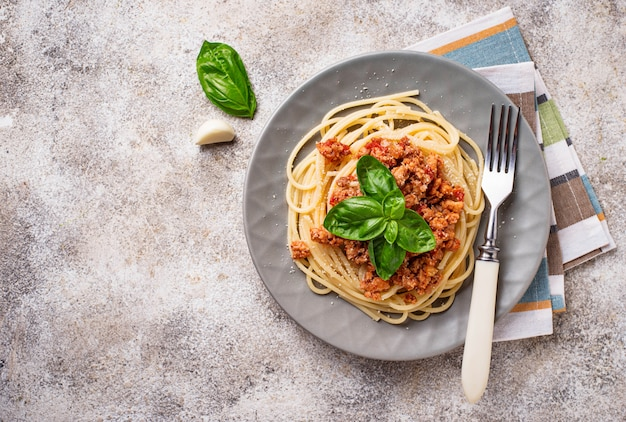 Massa à bolonhesa. espaguete com molho de carne