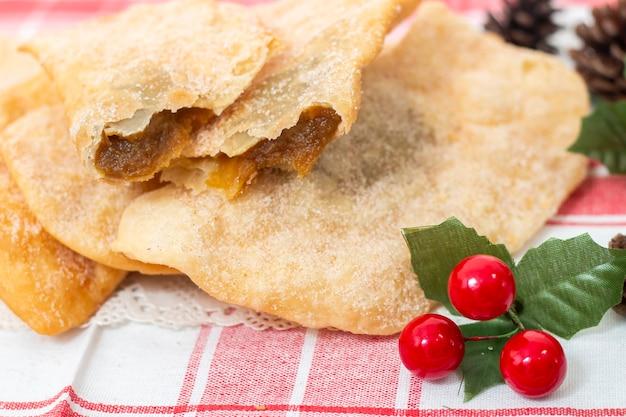 Massa típica portuguesa de grão de bico ou batata doce na época do natal.