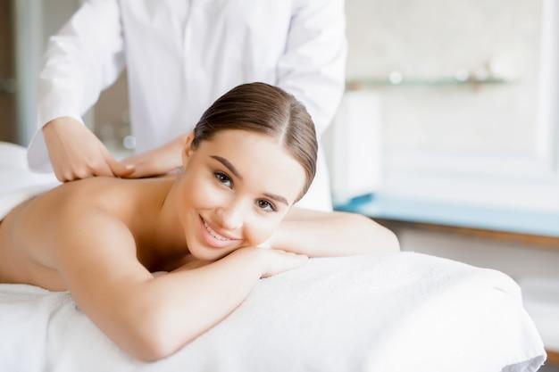 Massagem de costas